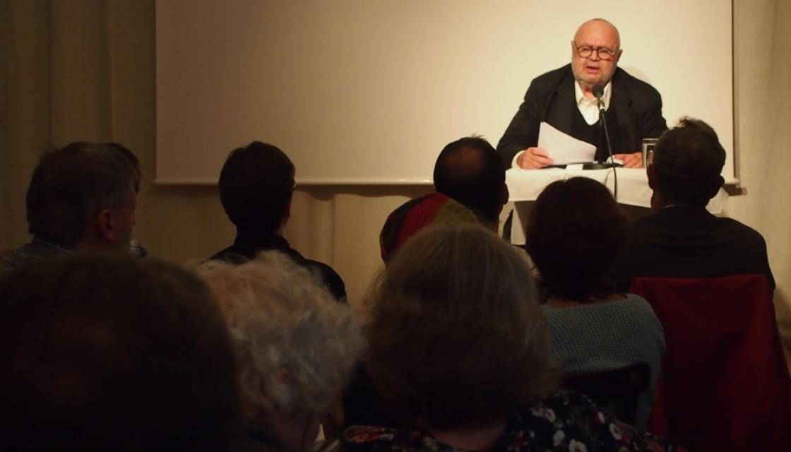 Franz Schuh liest im Aktionsradius